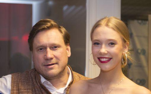 Samuli Edelmannin Venla-tytär Eevassa:  Kuukausien mykkäkoulu vanhempien eron jälkeen, nyt erikoinen asumisjärjestely isän ja poikaystävän kanssa