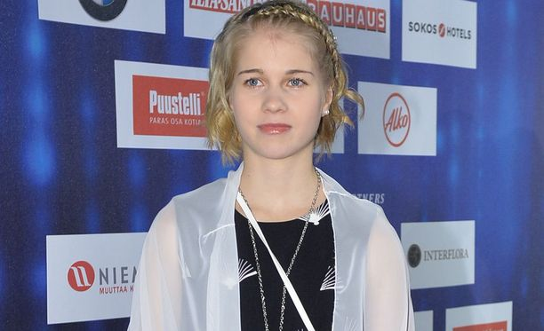Alisa Vainio tykkää jääkiekosta.