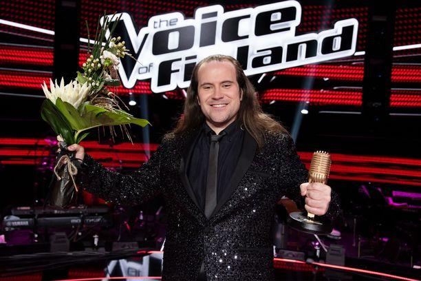 Kalle Virtanen lauloi itsensä TVOF-voittajaksi.