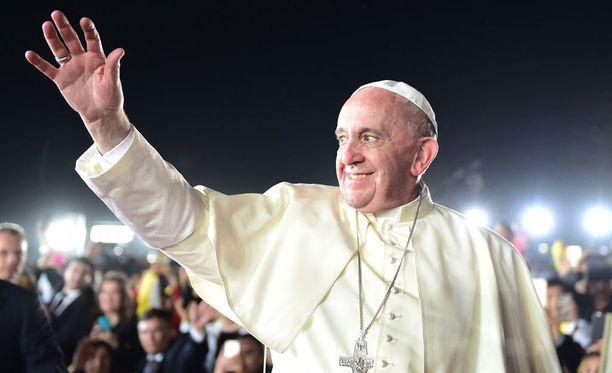 Paavi on kommentoinut Donald Trumpin puheita Meksikon-matkallaan.