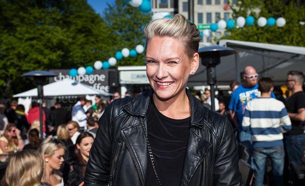 Vuoden 2001 Miss Suomi Heidi Sohlberg on saanut lukuisia tsemppitoivotuksia sairastumisensa myötä.