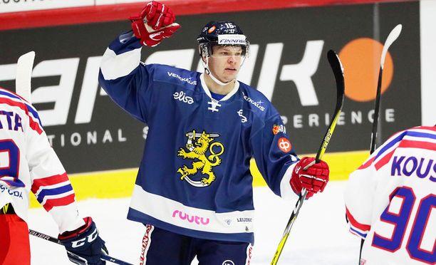 Miro Aaltonen on vakuuttanut otteillaan Leafs-luotsi Mike Babcockin.