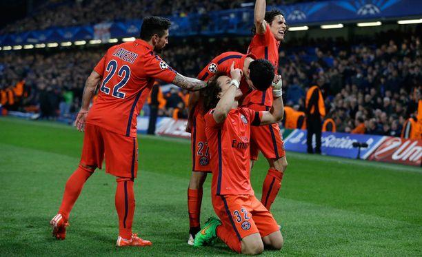 - Kiitos Chelsealle ja sori, kun juhlin, Luiz pahoitteli.