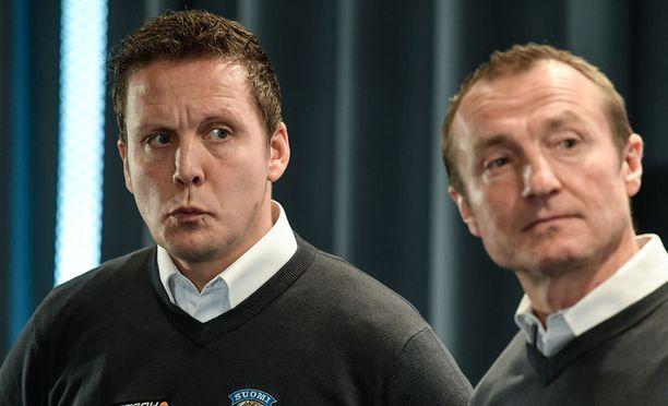 Päävalmentaja Lauri Marjamäki (vas.) ja GM Jere Lehtinen yrittävät valmistaa Leijonia helmikuun olympialaisiin niillä eväillä, jotka KHL on antanut.