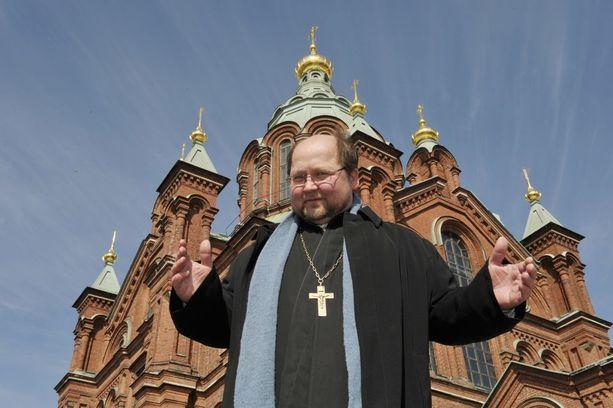 Isä Mitro tuli tunnetuksi Uspenskin katedraalin pappina. Kuva on otettu eurovaalien alla 2009.