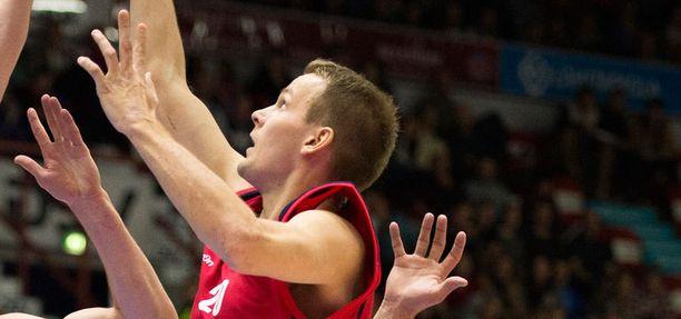 Bisons-kapteeni Mikko Koivisto pussitti Panioniosia vastaan kymmenen pistettä.