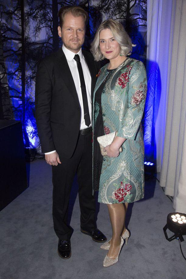 -Meillä ei ole mustasukkaisuutta, Antti Luusuaniemi ja vaimonsa Lili Zoe Ermezei toteavat.