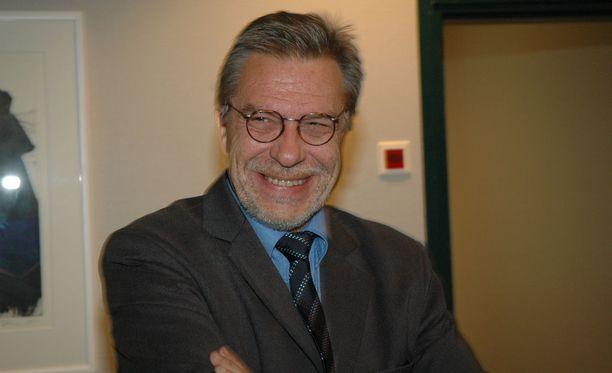 Heikki Salo vuonna 2004 Tampereen käräjäoikeudessa. Käynnissä oli tuolloin Matti Nykästä koskeva oikeudenkäynti, jolloin Nykänen oli syytettynä puukotuksesta.