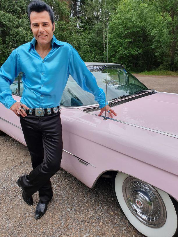 Juhan netistä löytämä auto on tuotu Suomeen Yhdysvalloista. Elviskin oli Cadillac-keräilijä.