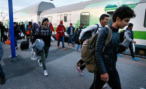 Luulajasta saapui Kemiin 330 turvapaikanhakijaa. Valtaosa heistä jatkoi matkaansa Etelä-Suomeen.