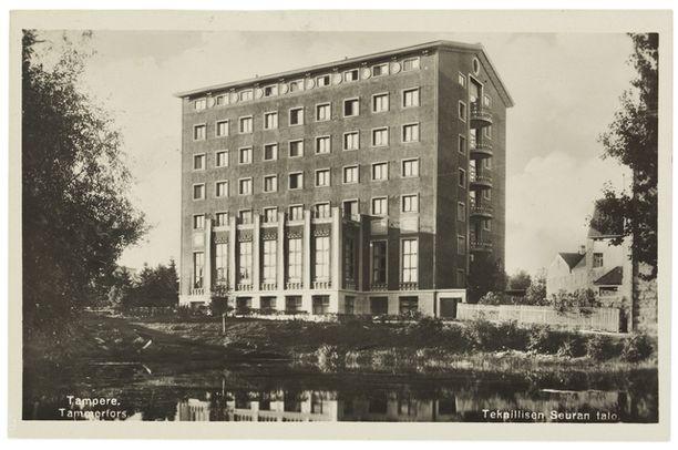 Vastavalmistunut Tammer-hotellin talo vuonna 1929.