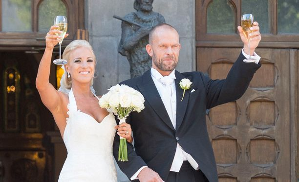 Nanna ja Jere Karalahti avioituivat 1.8.2015.