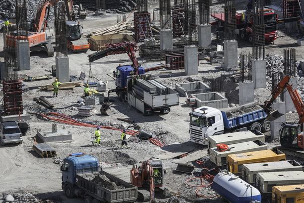 Rakennusliiton hallitus päätti torstaina maksaa sulun takia ilman palkkaa jääville jäsenille työtaisteluavustusta 50 euroa päivässä. Avustuksen suuruus on mitoitettu liiton mukaan siten, että liitto kestää pitkäänkin jatkuvan sulkutaistelun.