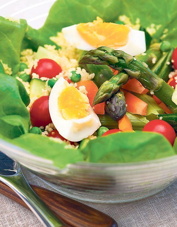 Vapun salaattiin kuuluu ehdottomasti sesongin paras anti: parsa.
