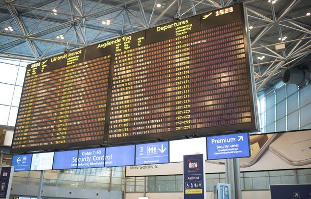 Helsinki-Vantaan lentoasemalla oli torstaiaamuna häiriö matkatavarajärjestelmässä. Kuvituskuva.