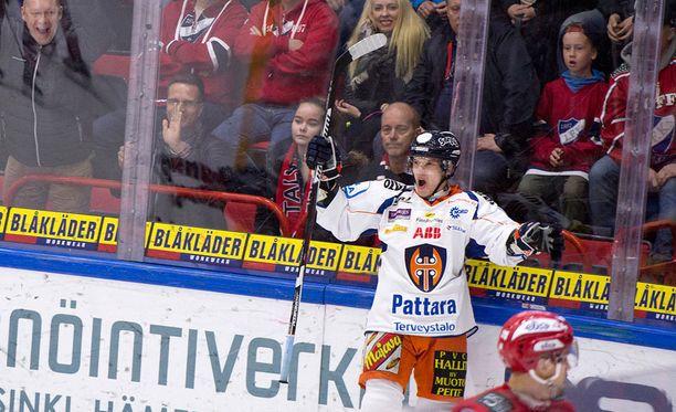 Tästä Jere Karjalaisen maalista alkoi HIFK:n alamäki Tapparaa vastaan viime vuoden huhtikuussa.