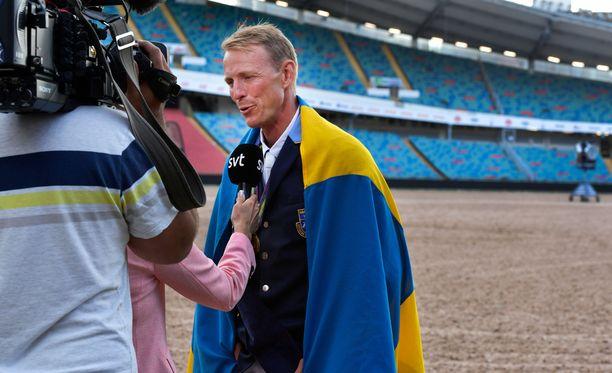 Helsinkiin saapuva Peder Fredricson valittiin ison kohun kera Ruotsin vuoden urheilijaksi.