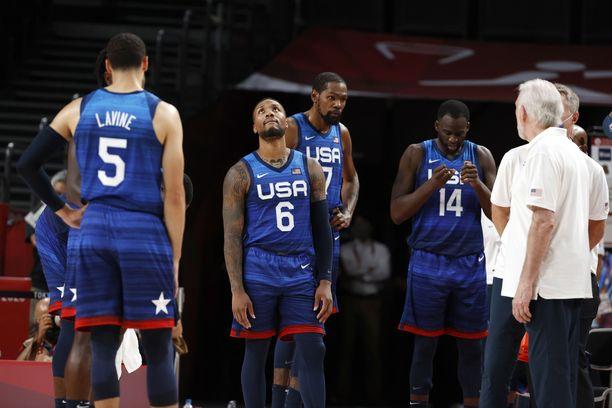 Yhdysvaltain pelaajat olivat tappion jälkeen pettyneitä.