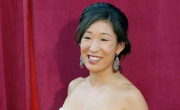 Sandra Oh sai naispääosaehdokkuuden draamasarja-kategoriassa.