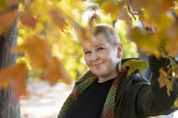 Johanna Tuomelan rintasyövän jäljille päästiin, kun gynekologi löysi hänen rinnastaan kyhmyn.