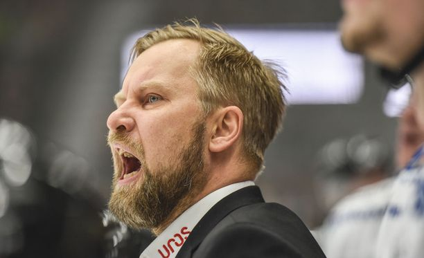 Mikko Manner toimii Kärppien päävalmentajana.
