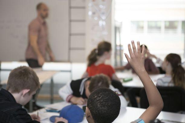 Erään opettajan mielestä Pisa-tutkimusten kohdalla pitää muistaa, mitä niillä mitataan ja miten niitä opetetaan.