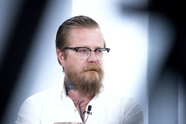 Wallu Valpio kertoo olleensa 20 vuotta nestedieetillä. - Pipan ansiosta opin syömään myös salaattia.