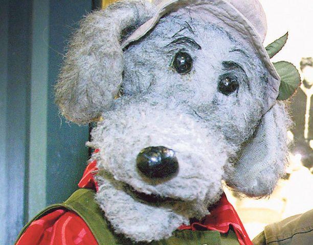KOIRUUKSIA Vuoden tamperelaiseksi valittu Ransu vetoaa ihmisiin, jotta nämä käyttäisivät koirankakkapusseja.