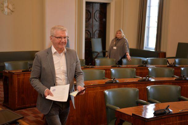 Pirkka-Pekka Petelius nousi eduskuntaan ensimmäisellä yrityksellä.