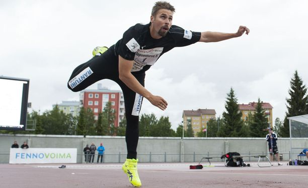 Antti Ruuskasen paluukisa päättyi voittoon Oulussa tiistaina.