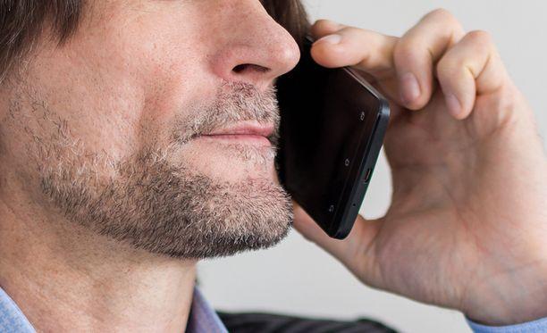 Poliisi muistuttaa, ettei se koskaan kysele kenenkään pankkitunnuksia puhelimitse.