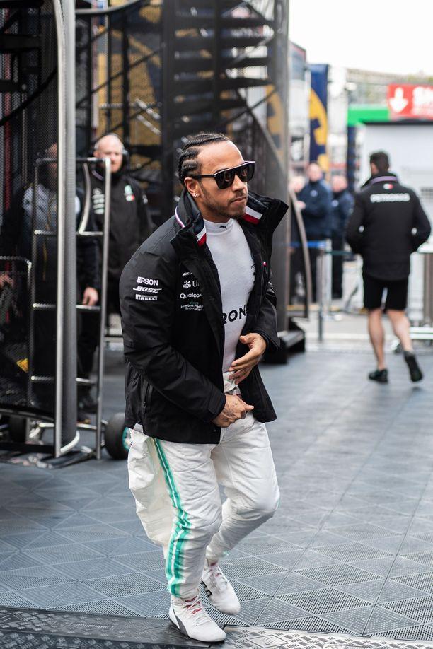 Lewis Hamilton saapui Espanjaan jykevämmässä kunnossa kuin viime vuonna.