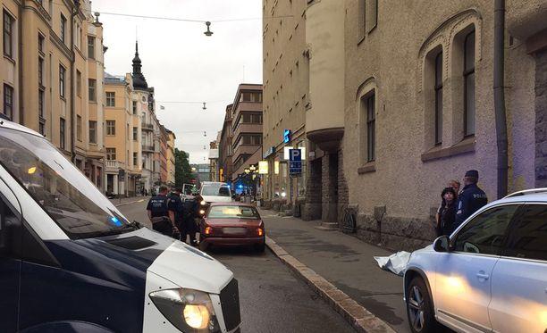 Helsingin yliajossa kuoli suomalainen nainen.