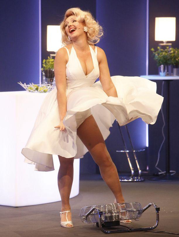 Marilyn, vaipoissa.