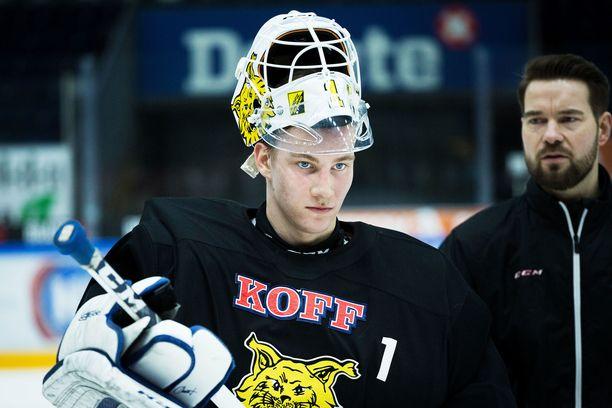 Maalivahti Lukas Dostalilla on sopimus NHL-joukkue Anaheim Ducksin kanssa. Hän on syyskuussa Anaheimin leirillä, kun SM-liiga alkaa.