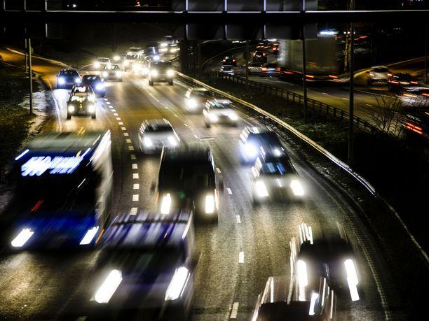 Autoilun kustannuksiin on odotettavissa lähivuosina rajuja korotuksia.