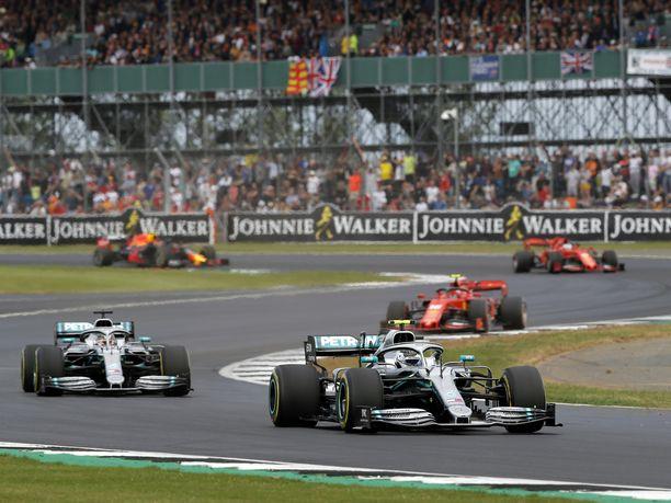 Valtteri Bottas ja kumppanit starttasivat Britannian GP:hen nuoren Justin Whitingin johtamana.