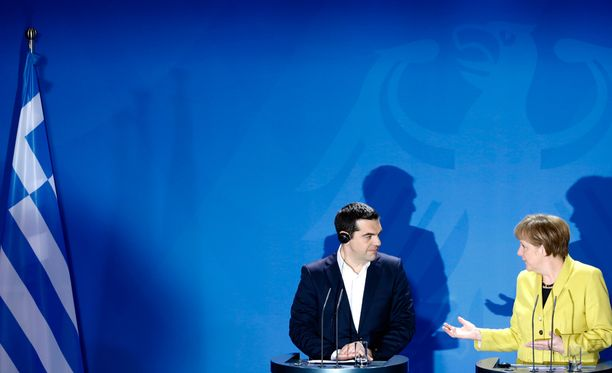 Alexis Tsipras esitteli uusia keinoja velkakriisin hoitoon. Angela Merkel ja muut euromaiden johtajat vaativat Kreikalta kovempia säästötoimia.