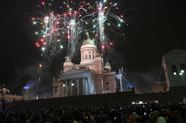 Helsingissä on järjestetty joka uusivuosi näyttävä ilotulitus.