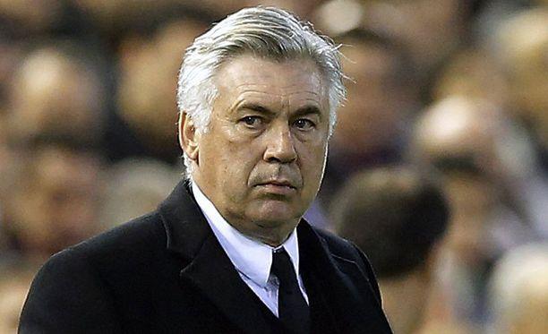 Carlo Ancelottin ilmeestä päätellen Real Madrid on juuri mennyt johtoon Valenciaa vastaan.