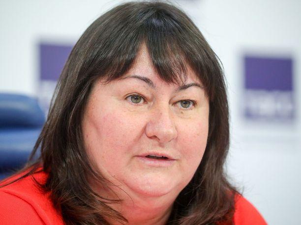 Jelena Välbe johtaa venäläistä hiihtoa. Seefeldissä kultamitaleita ei tullut yhtään.