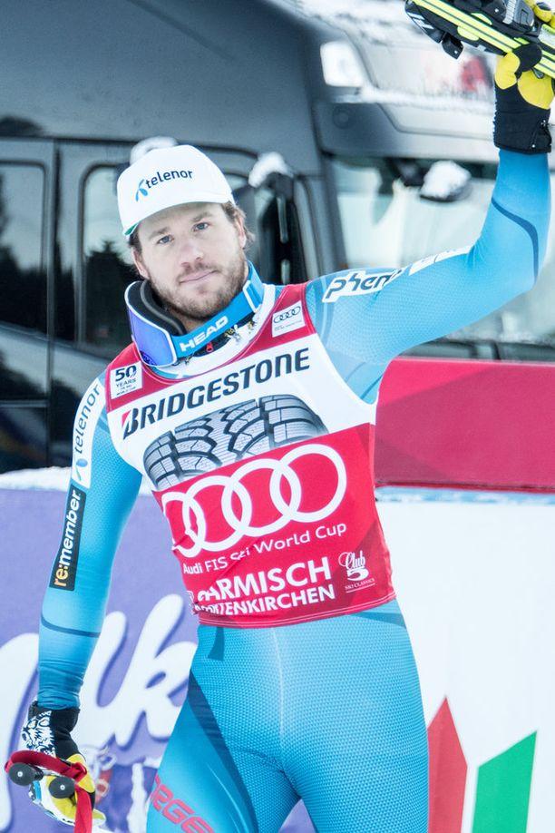 Kjetil Jansrud ihmettelee urheilijoita, jotka eivät asu muun joukkueen kanssa.