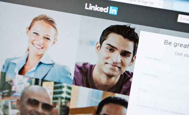 LinkedIn on työnhaussa suosittu somen työkalu.