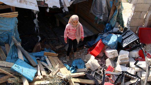 Syyrian puolen pakolaisleireillä olevat siviilit ovat joutuneet ristituleen kurdijoukkojen ja Turkin joukkojen välisissä taisteluissa.