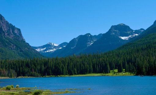 Gallatinin kansallispuiston vuoristomaisemat toimivat murheellisten tapahtumien näyttämönä.