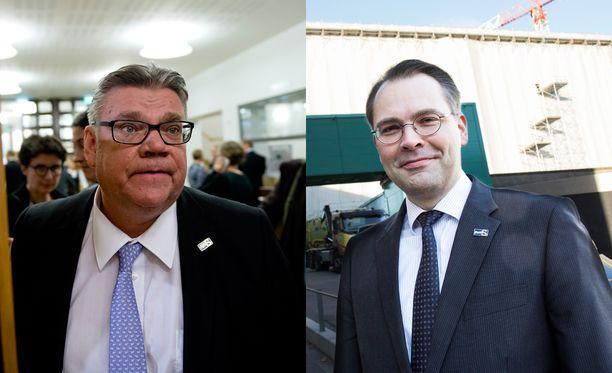 Sekä ulkoministeri Timo Soini (vas.) että puolustusministeri Jussi Niinistö pääsevät mukaan Naton huippukokoukseen. Kokoukseen osallistuu myös tasavallan presidentti Sauli Niinistö.