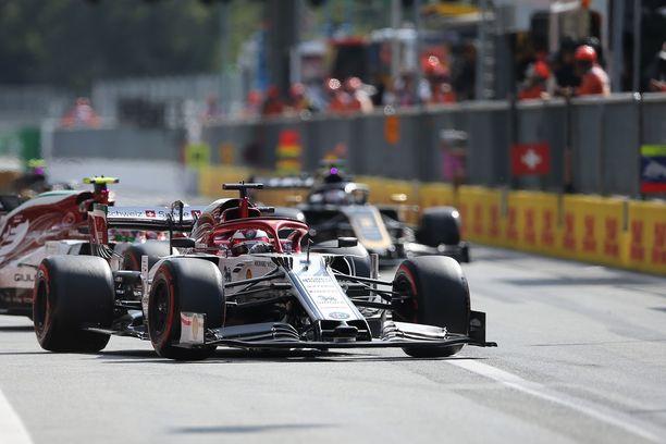 Kimi Räikkönen tuohtui Pierre Gaslylle.