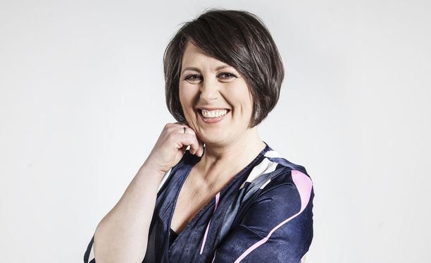 Parisuhdekouluttaja Marianna Stolbow on asiantuntijana parhaillaan pyörivässä Ensitreffit alttarilla -ohjelmassa.