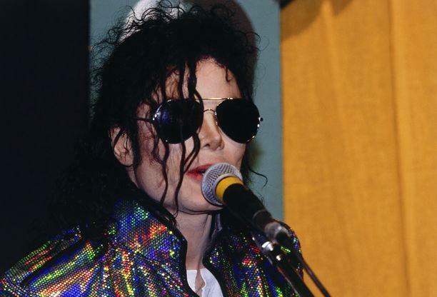 Michael Jackson kuoli vuonna 2009. Kuva vuodelta 1992.