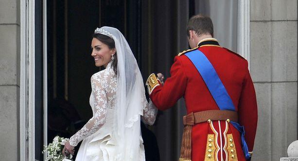 Prinssi William ja herttuatar Catherine avioituivat huhtikuussa 2011. Herttuatar Catherinen hääasu on saanut valtavasti kehuja osakseen.
